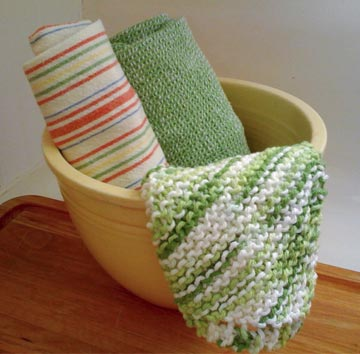 Green-and-white-knit-dishcloth