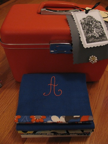 Suitcase and scarves sm